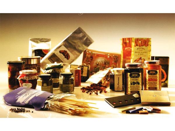 ceste-natalizie-con-prodotti-gastronomici-modena-formigine