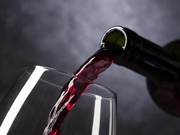 fornitura-bottiglie-di-vino-rosso-reggio-emilia-sassuolo