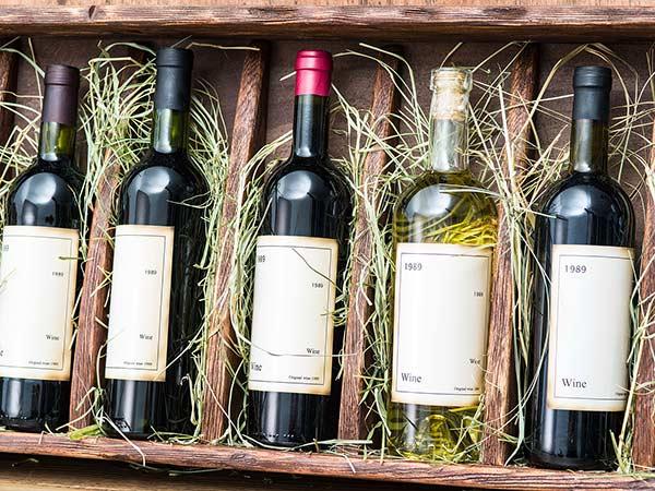 Fornitura-di-bottiglie-di-vino-modena
