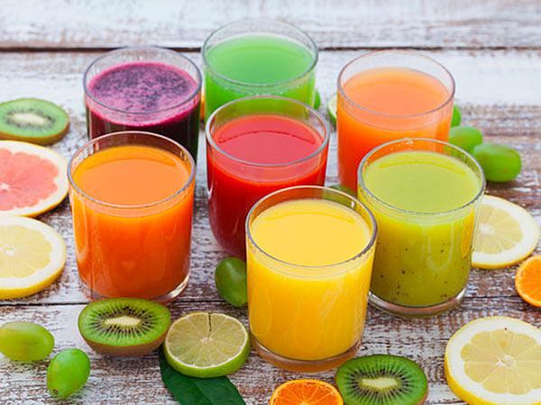 Fornitura-di-succhi-di-frutta-in-casse